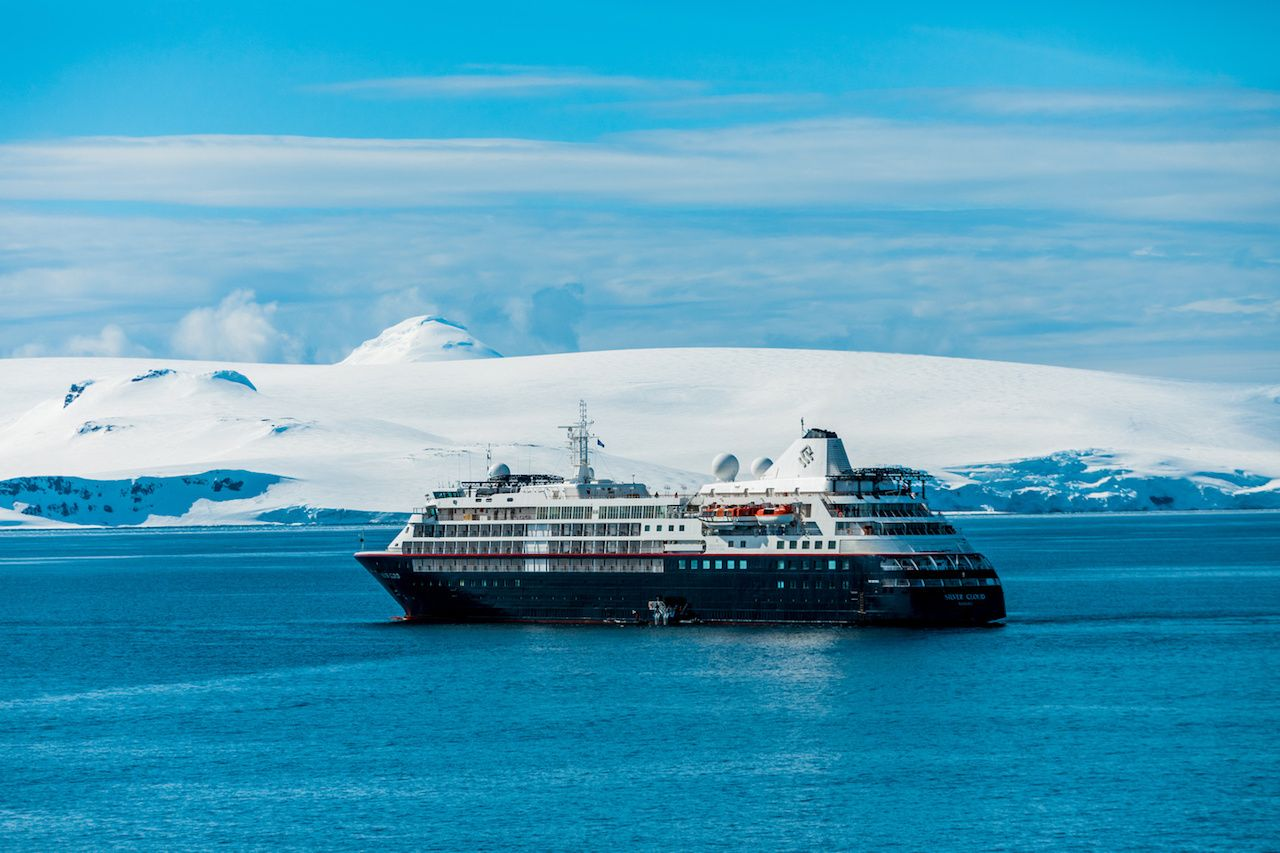 Antarctic cruise at sea