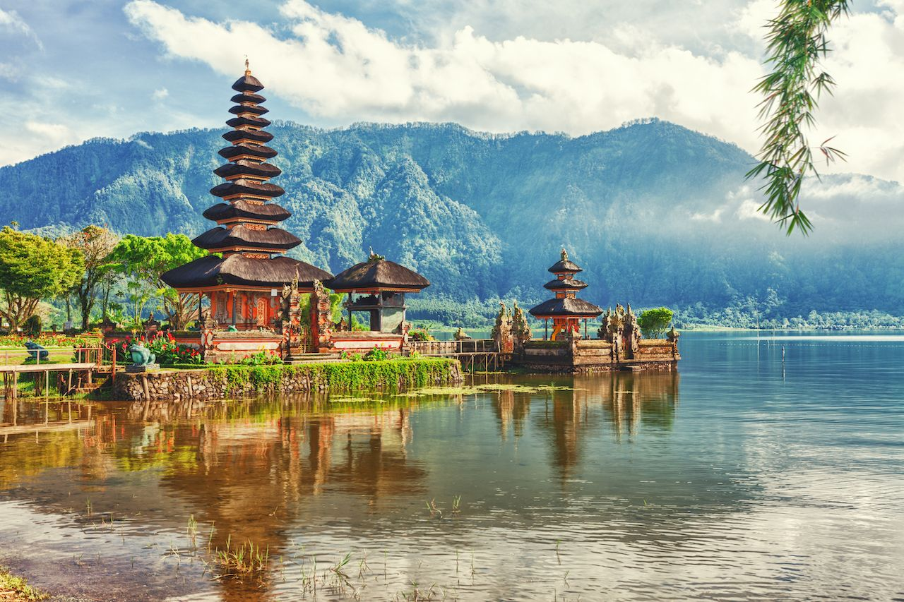 Bali to impose tax on tourists