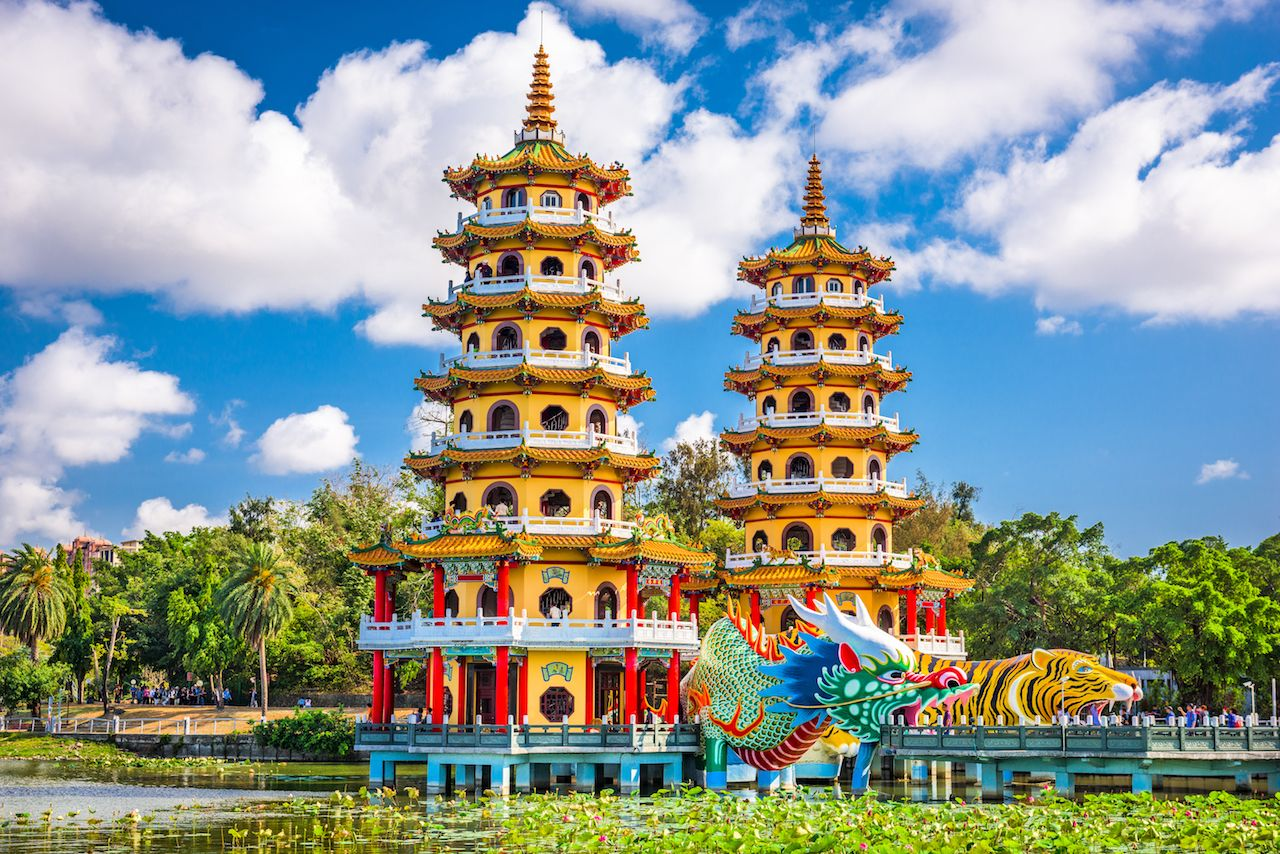 Kaohsiung, Taiwan, Lotus Pond Dragon and Tiger Pagodas