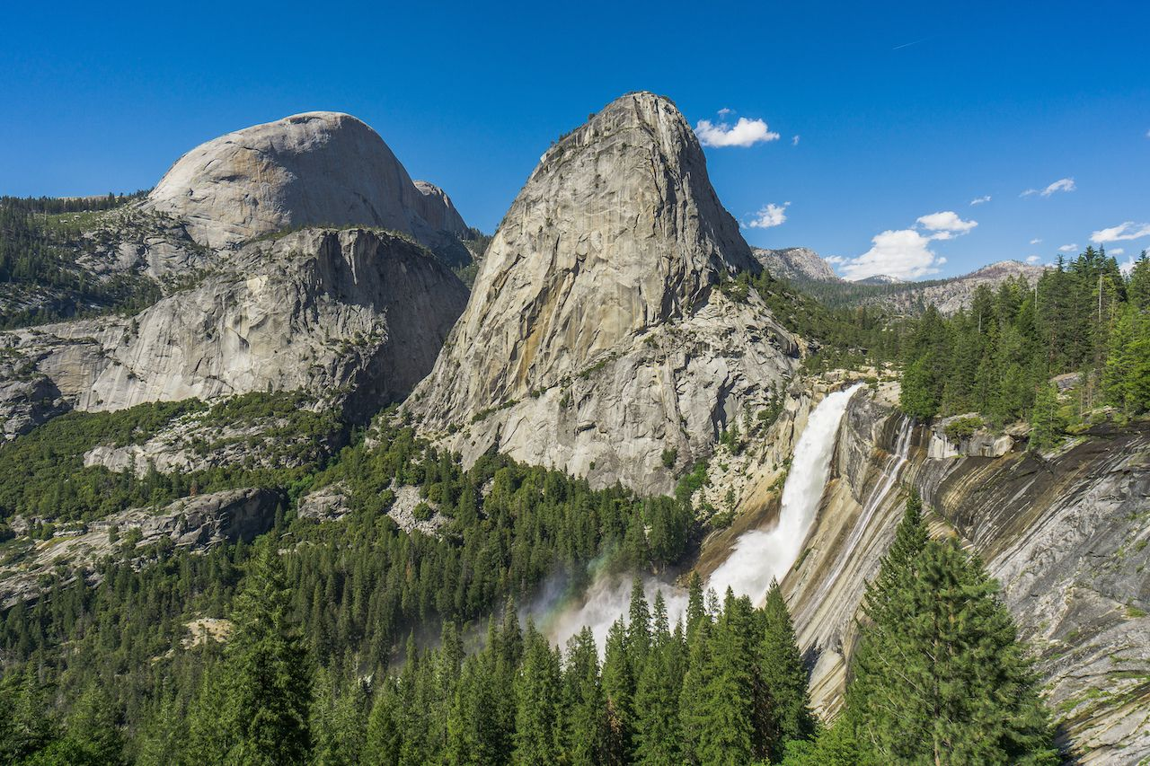 Man dies in Yosemite during shutdown