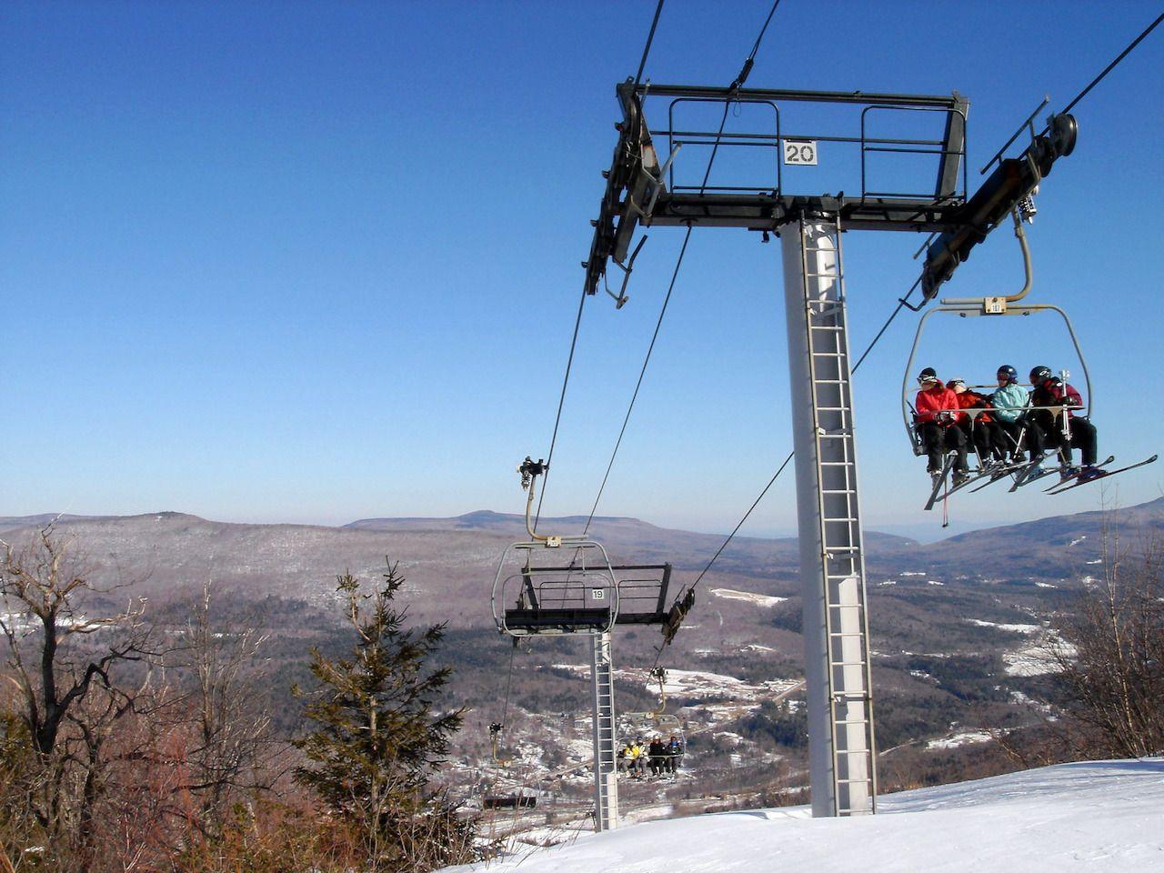 Ski lift over Mountain Hunter, NY