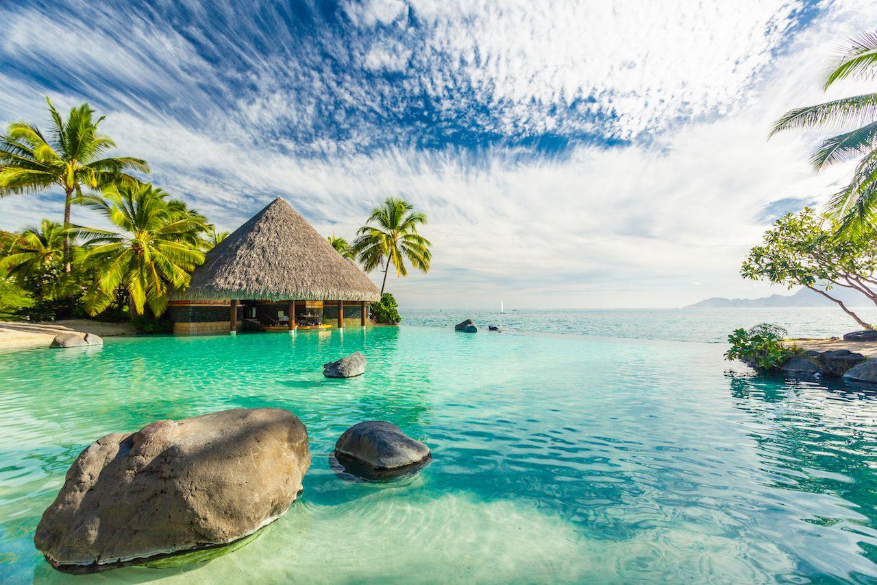 Truqoise water in Tahiti