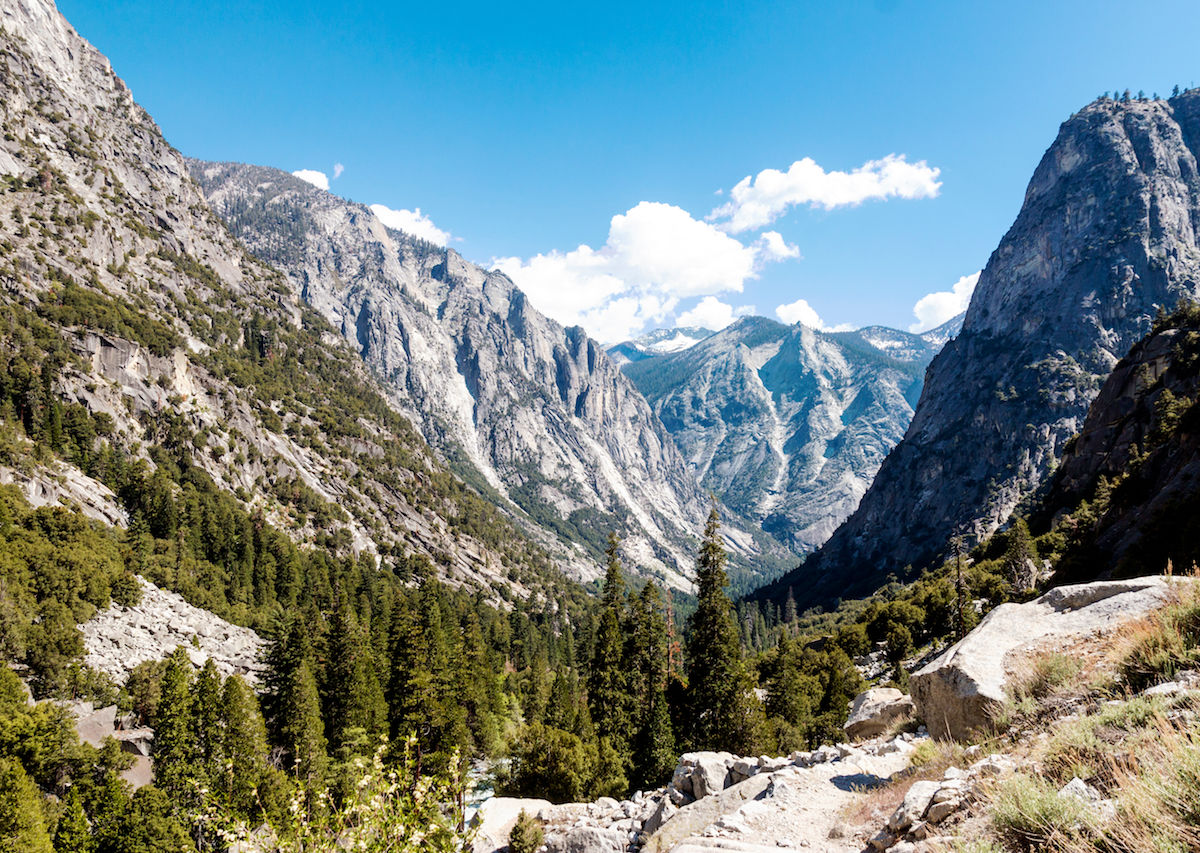 A-landscape-view-of-Kings-Canyon-national-Park-in-California-1200x853