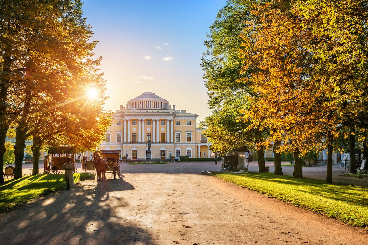 Alley to the Palace in Pavlovsk, a suburb of St. Petersburg