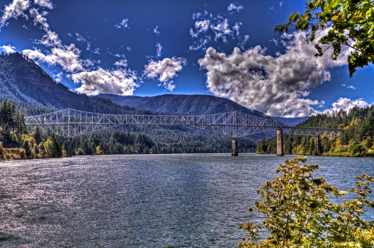 Bridge of the Gods on the Columbia River between Oregon and Washington