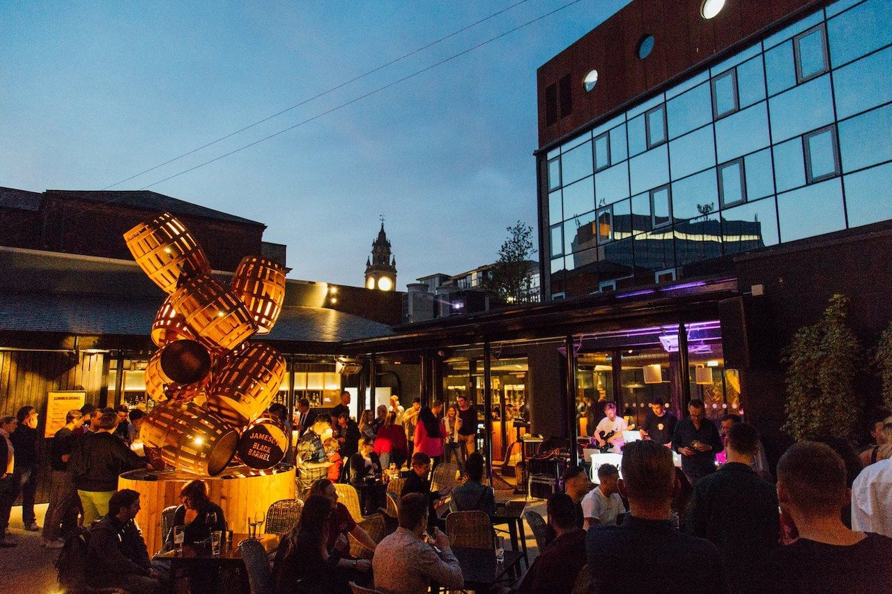 Best Bars And Pubs In Belfast For An Authentic Irish