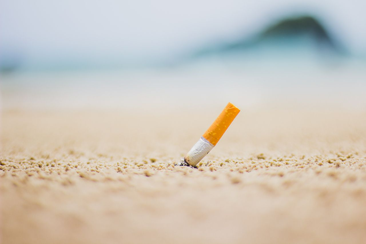 Hawaii may raise legal smoking age