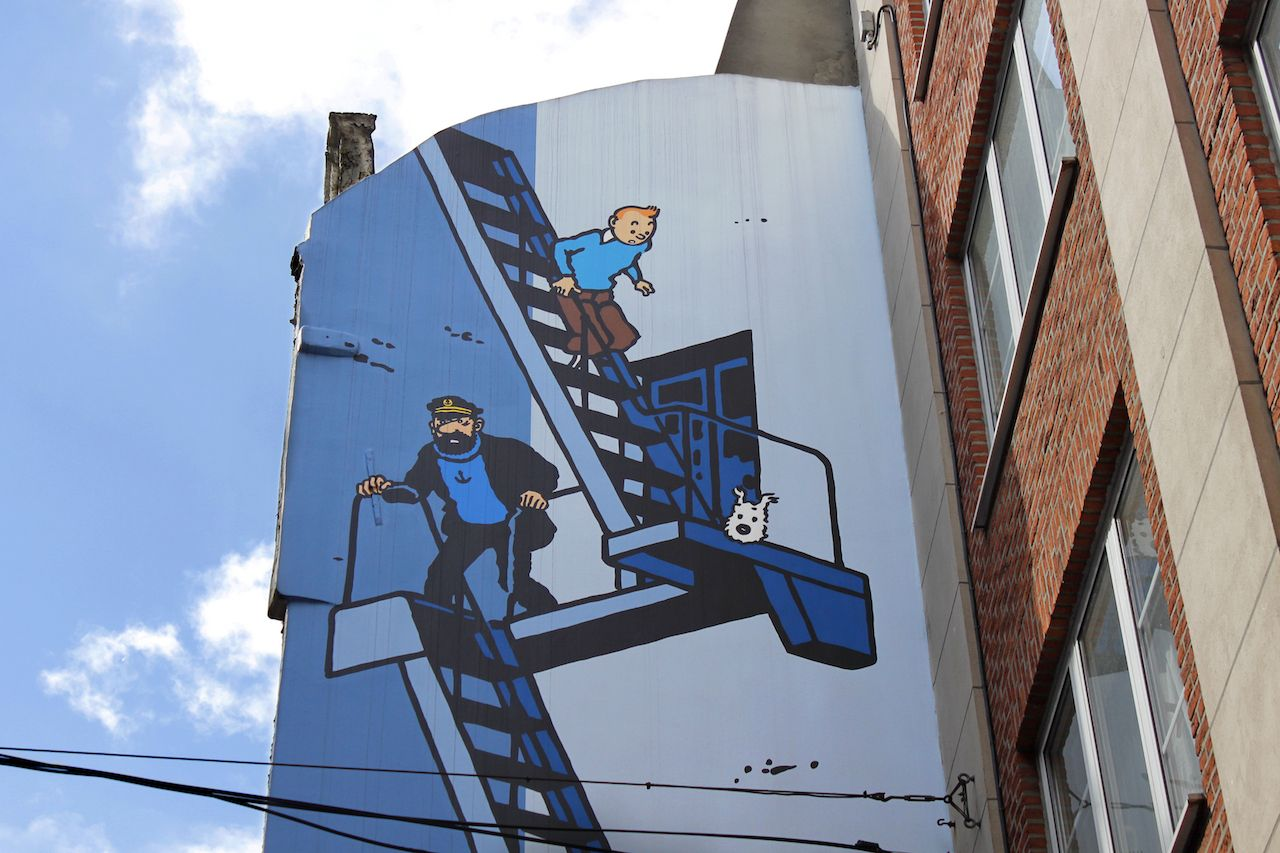 Comic strip mural painting in Brussels