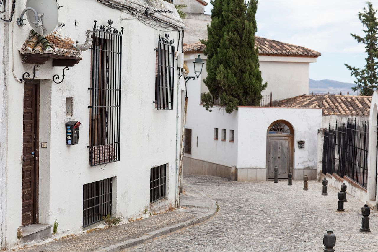 Granada old town with narrow streets and white buildings, Andalusia, Spain