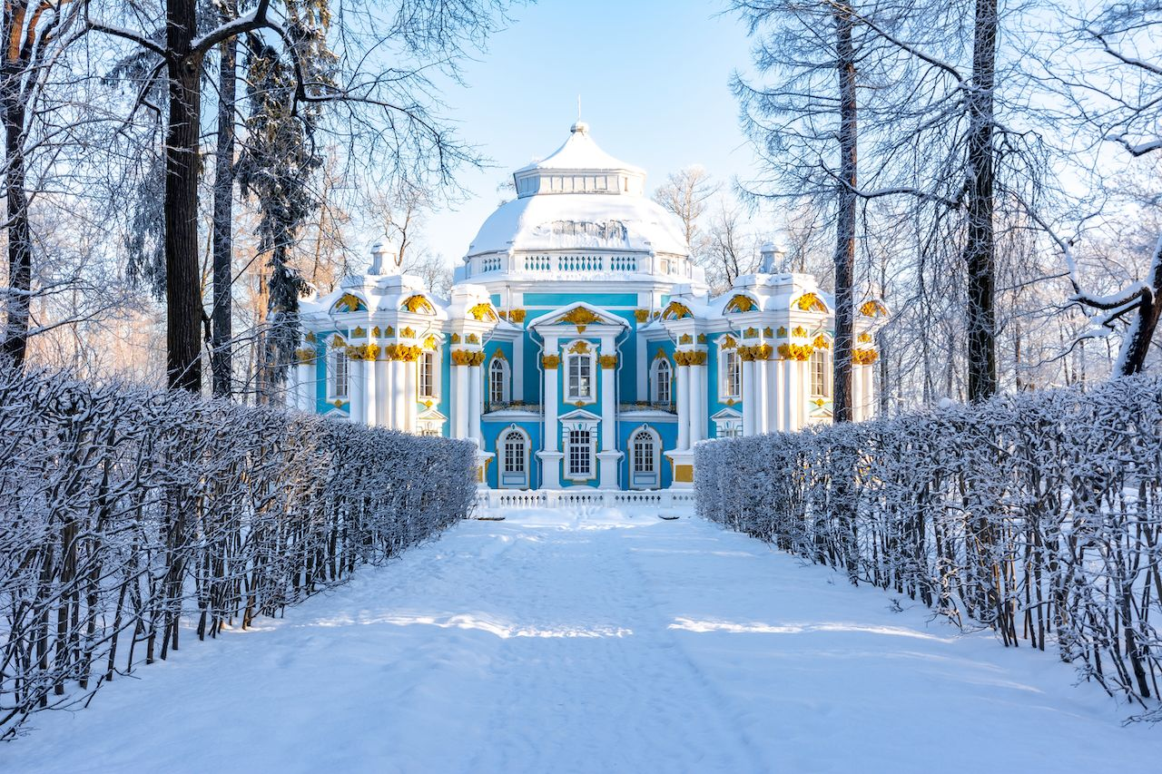 Palaces to visit in St. Petersburg