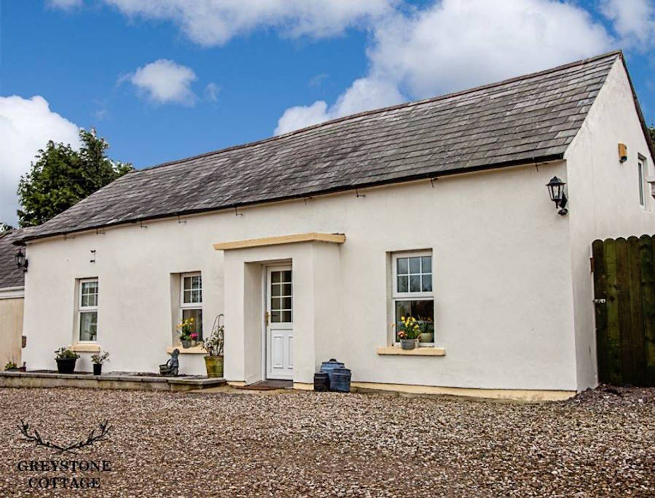 Quiet Suburban Cottage Belfast Airbnb