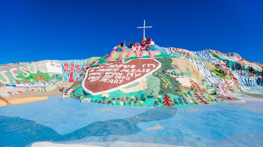 The bizarre roadside attractions of the California desert