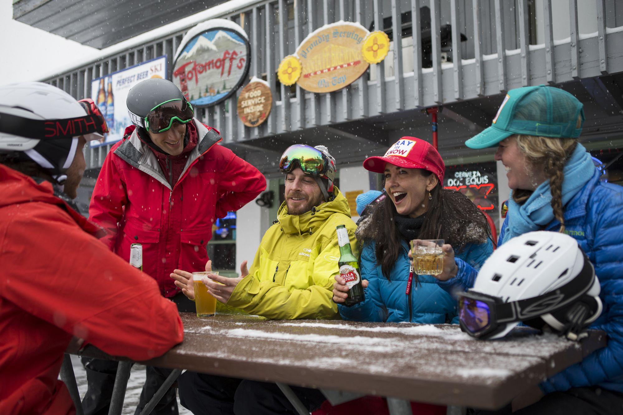 Santa Fe apres ski scene