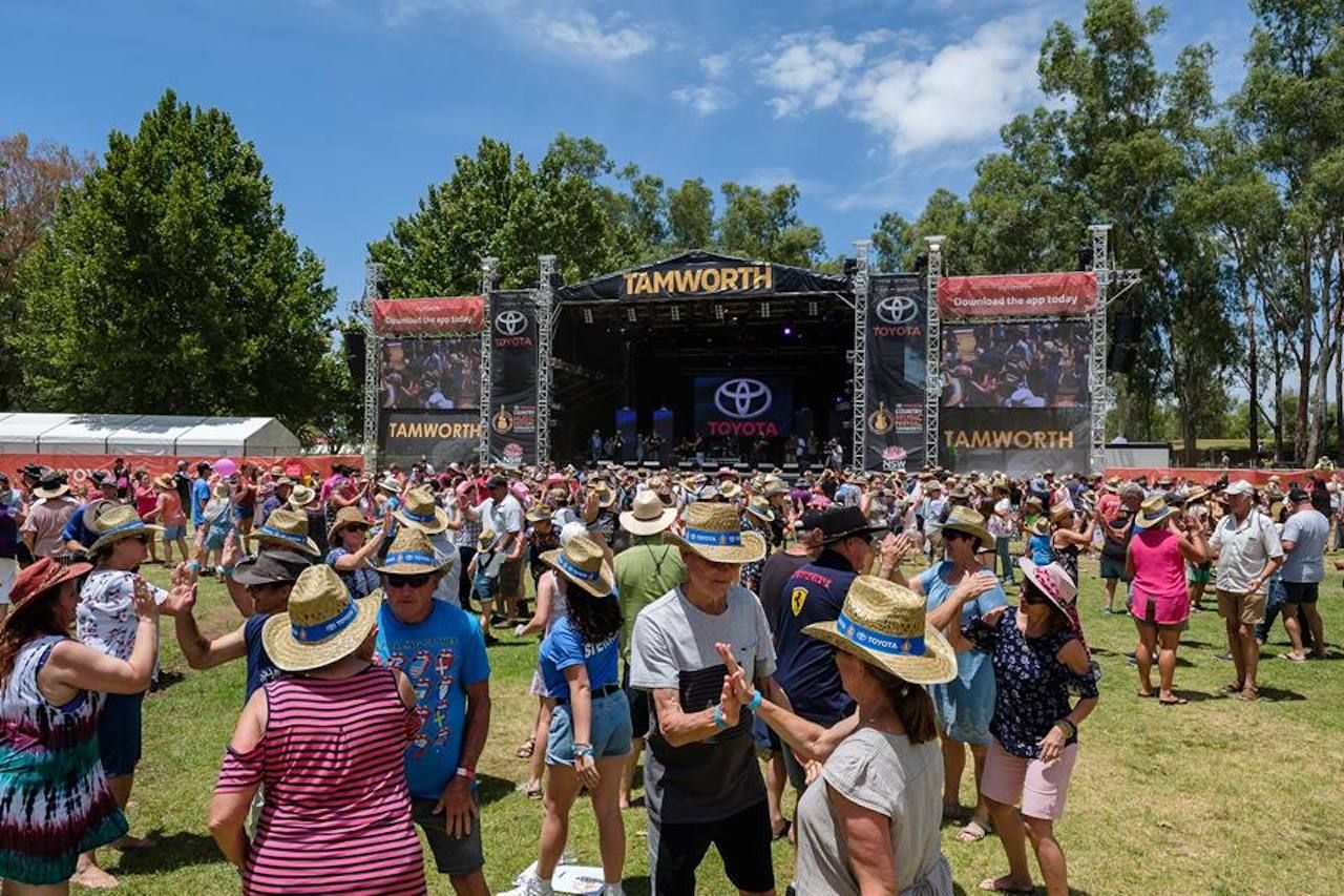 TAMWORTH COUNTRY MUSIC FESTIVAL 2014 - YouTube