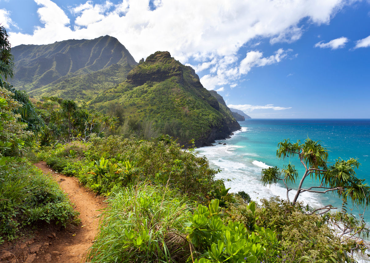 8 stunning trails you need to hike in Hawaii