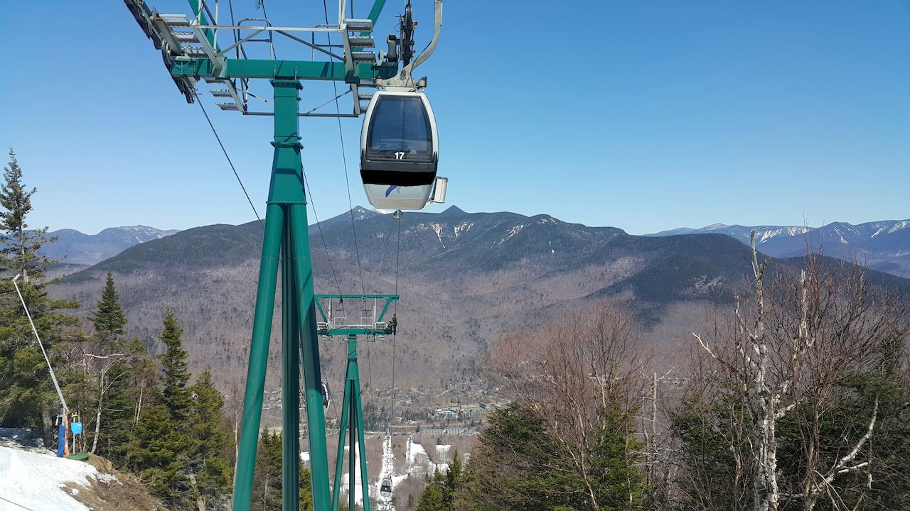 loon mountain gondola chair lift