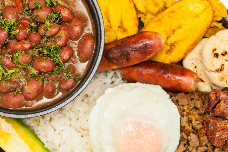 Bandeja Paisa Colombia traditional food