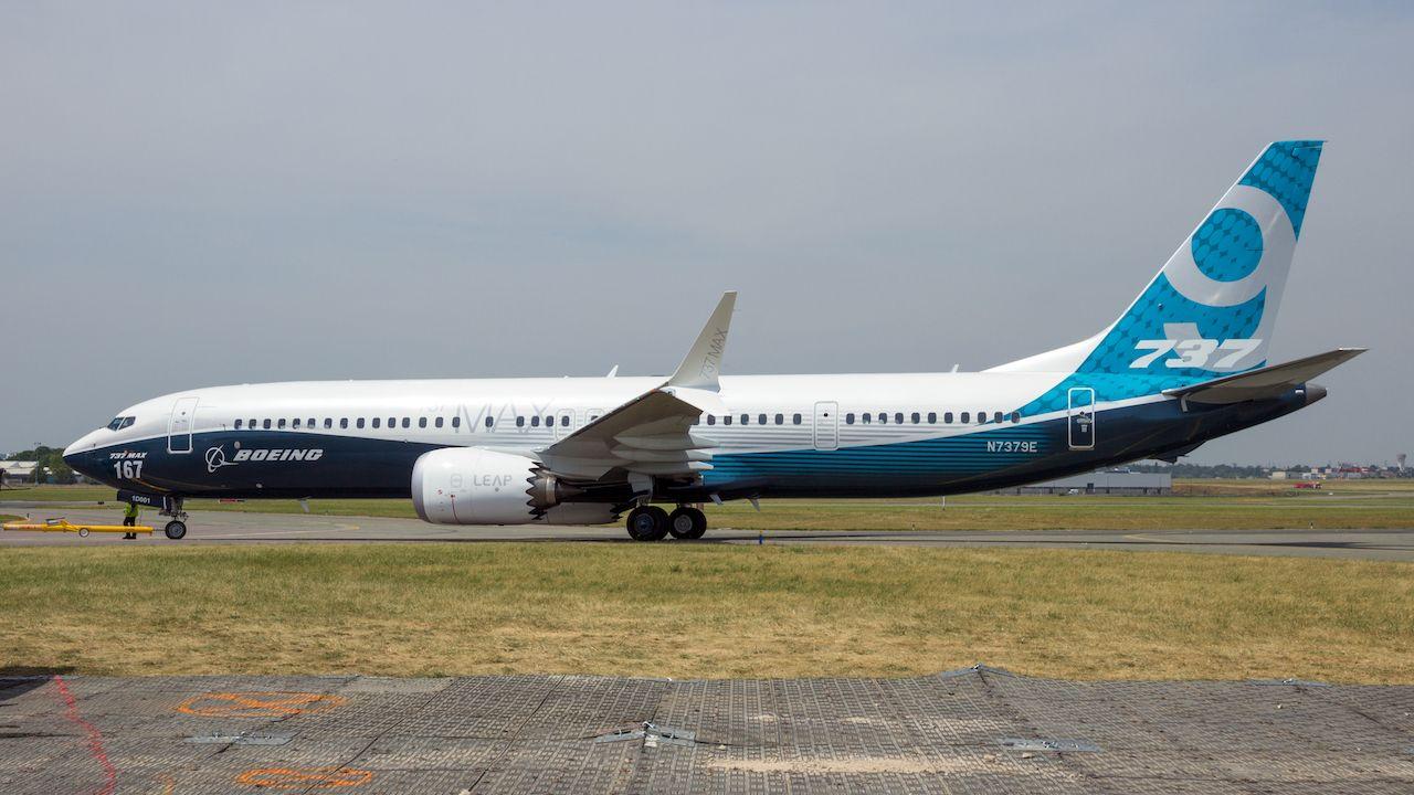 Boeing 737 MAX emergency landing