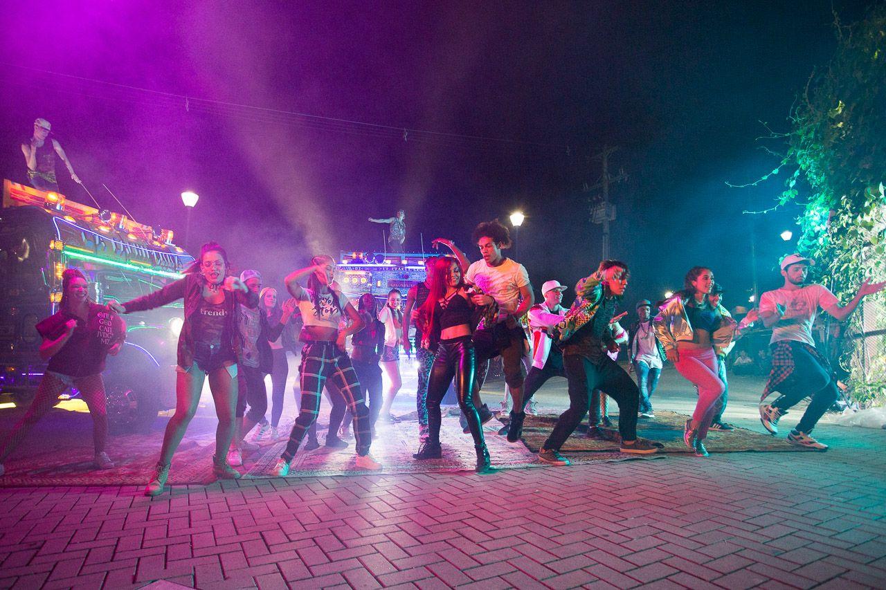 Colombia street dancing