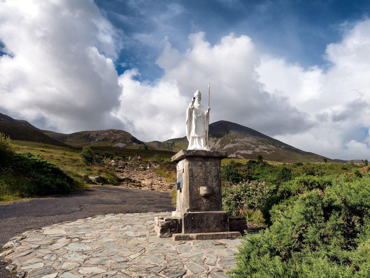 Pathway start with Croke Patrick statue in Westport Ireland