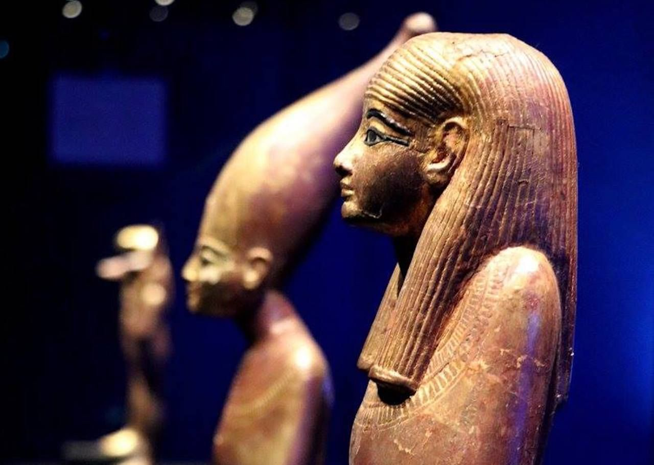 Statues from King Tut exhibit in Paris