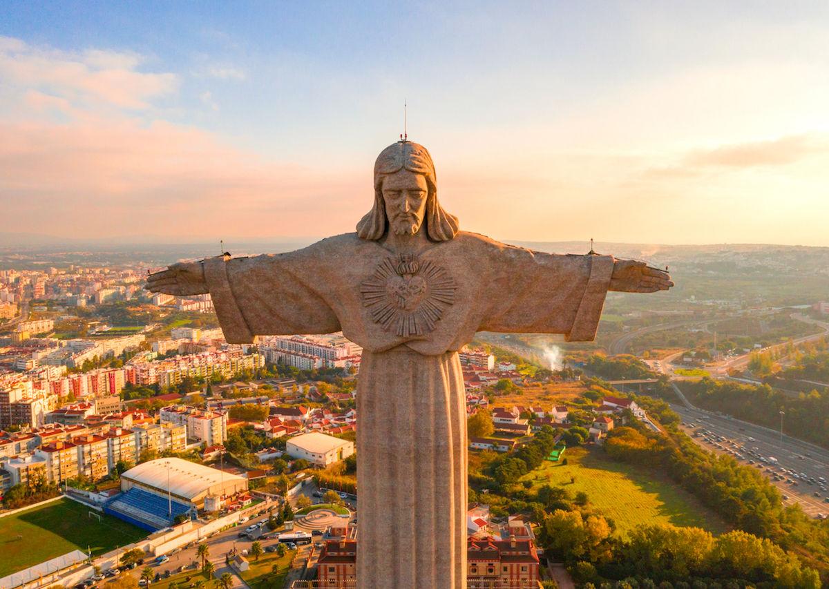 The 7 most impressive Jesus statues around the world outside of Rio