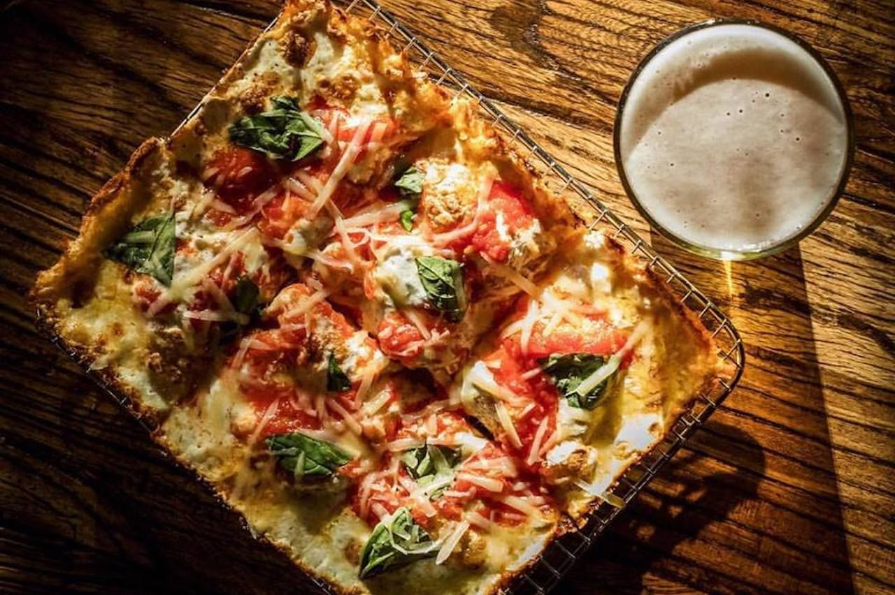 bowery bar pizza and beer