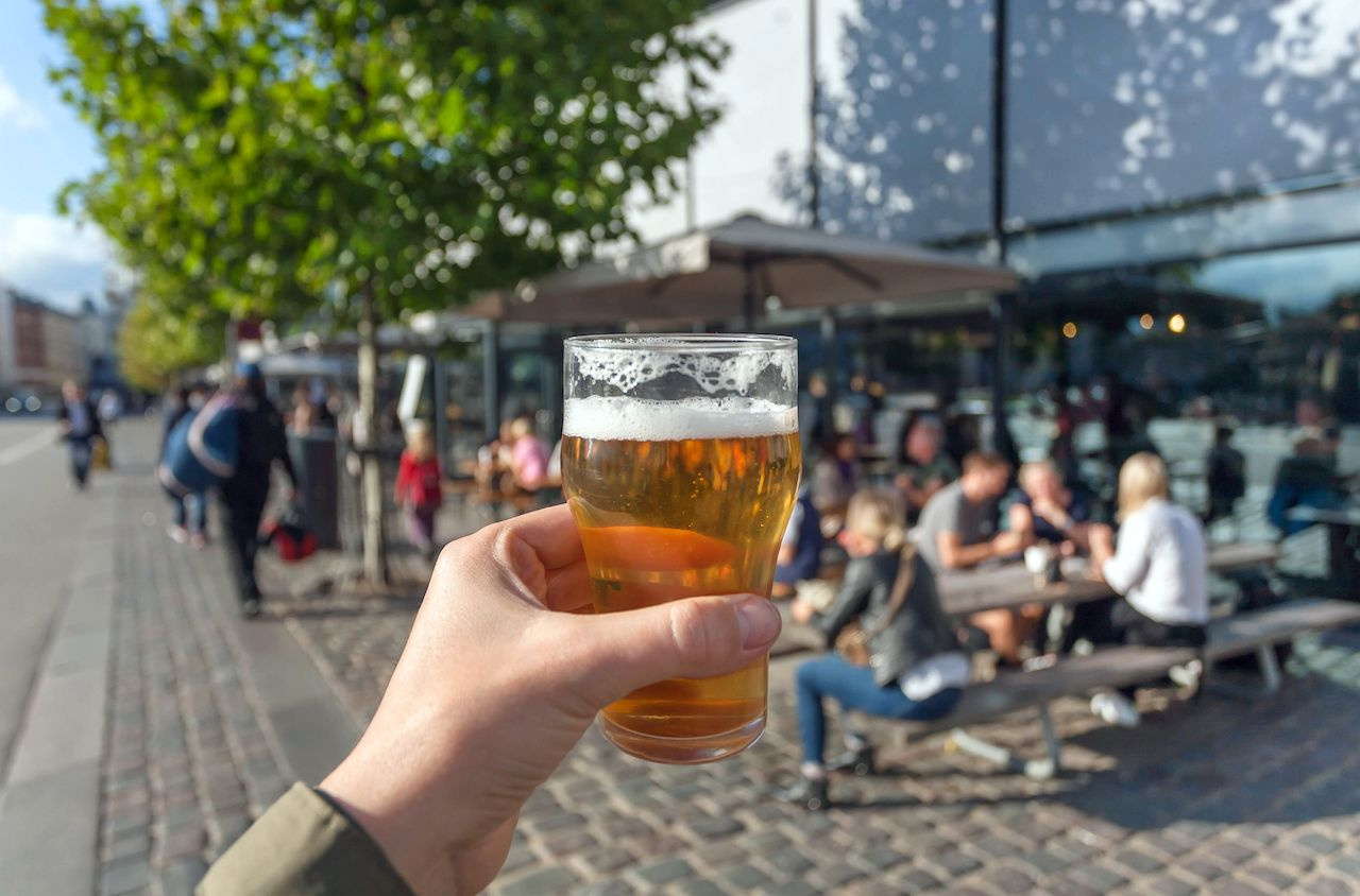 Sip while you walk.. The post 9 US cities where you can drink in the street appeared first on Matador Network..