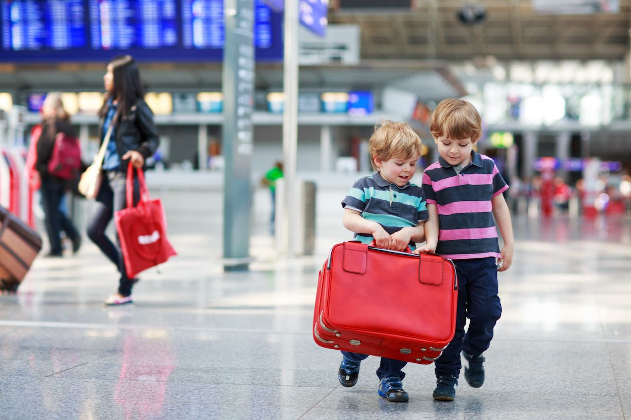 Tips for traveling with young kids