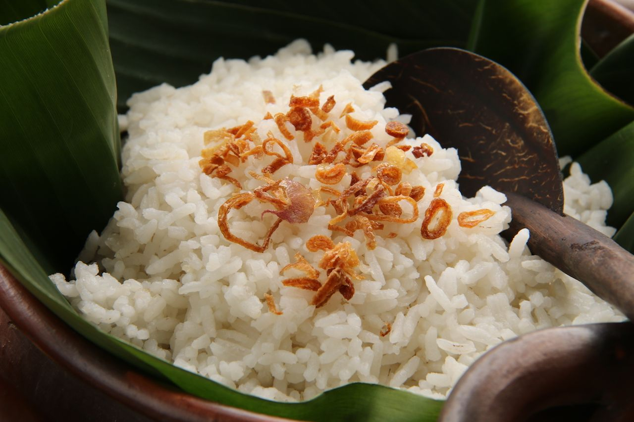 Coconut flavor steamed rice