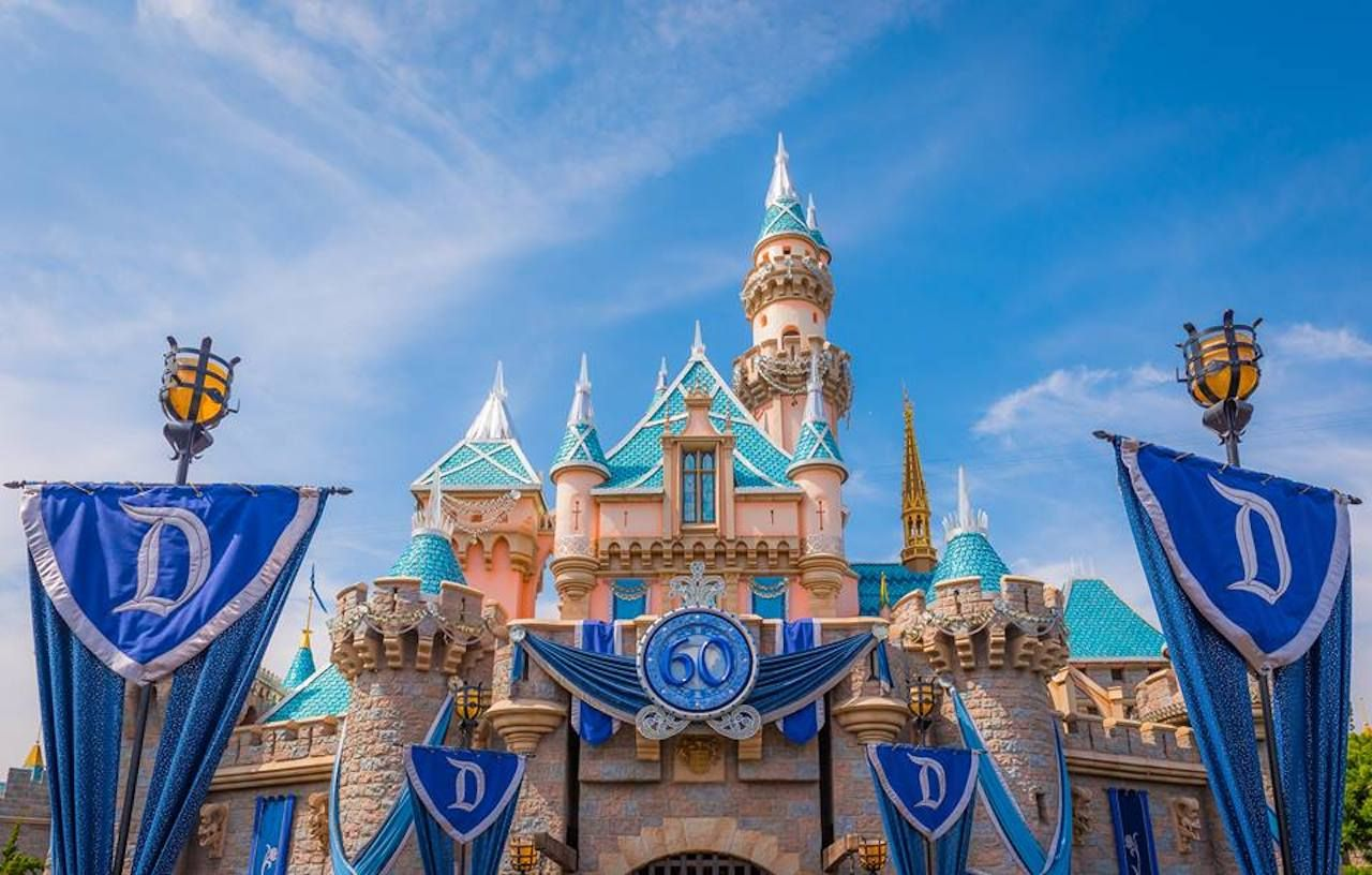 Disney bans smoking, large strollers