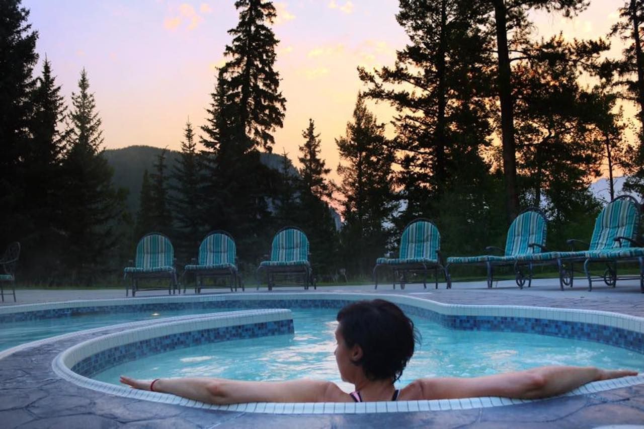 Fairmont Banff Springs hot tub