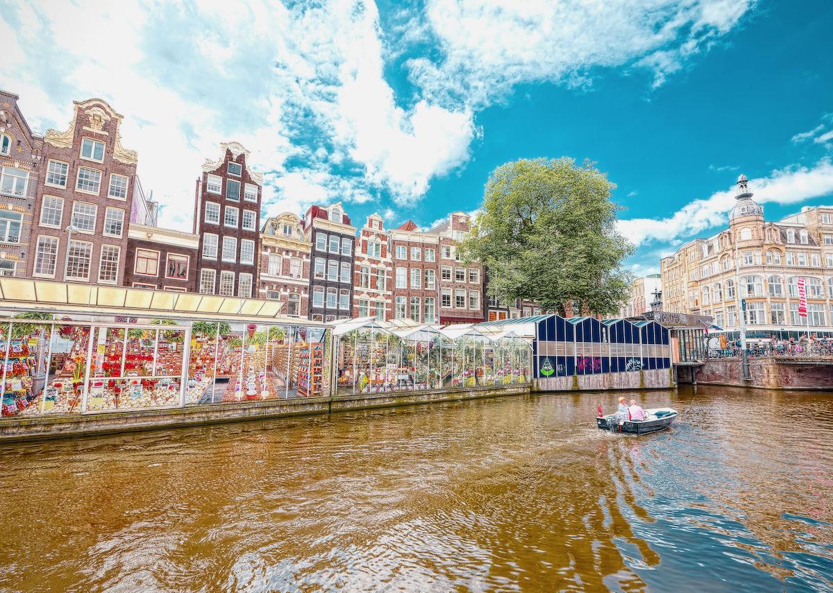 Amsterdam's last floating florist just closed, denouncing overtourism