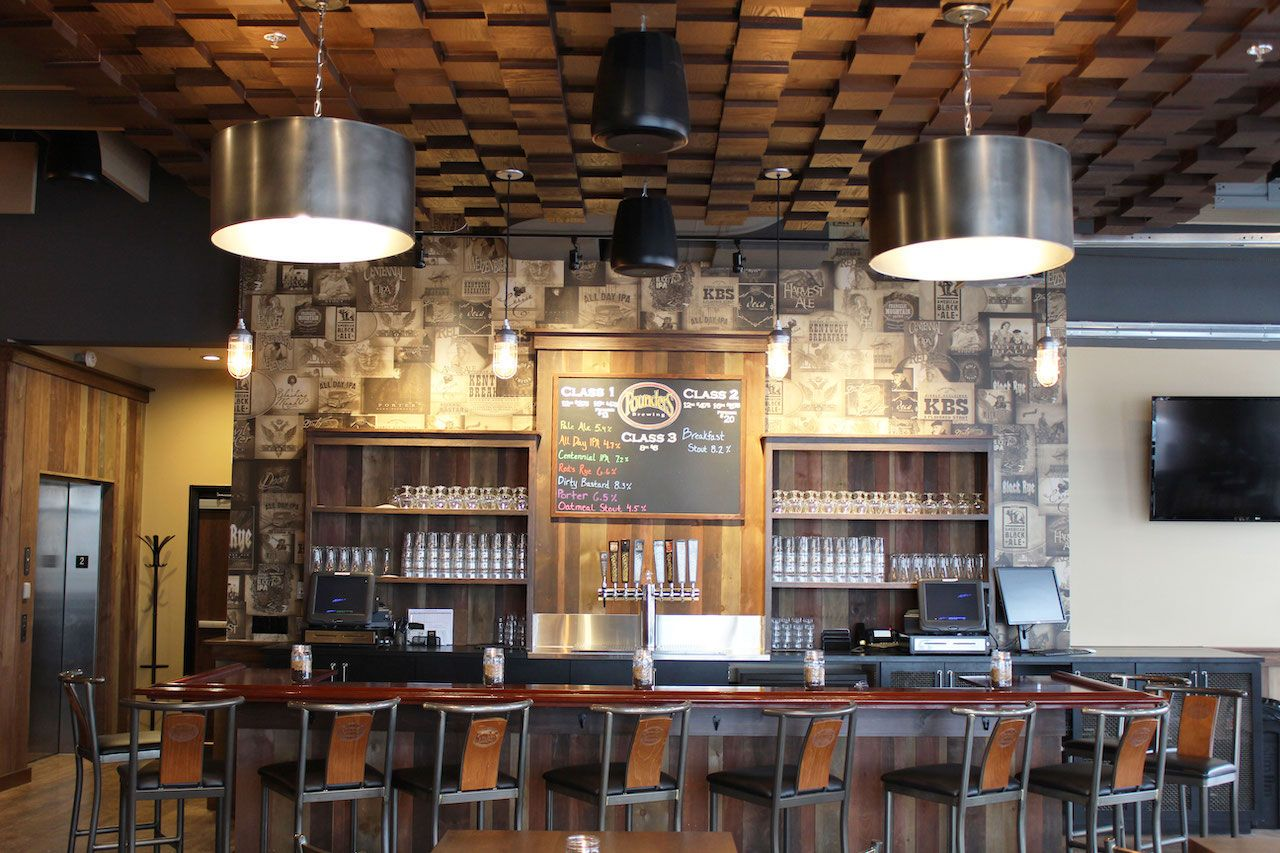 Founder Brewing Company interior bar