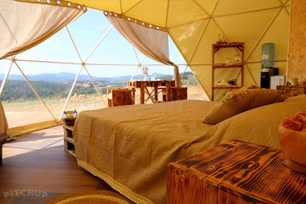 Glamping resorts and luxury safari camps around the world