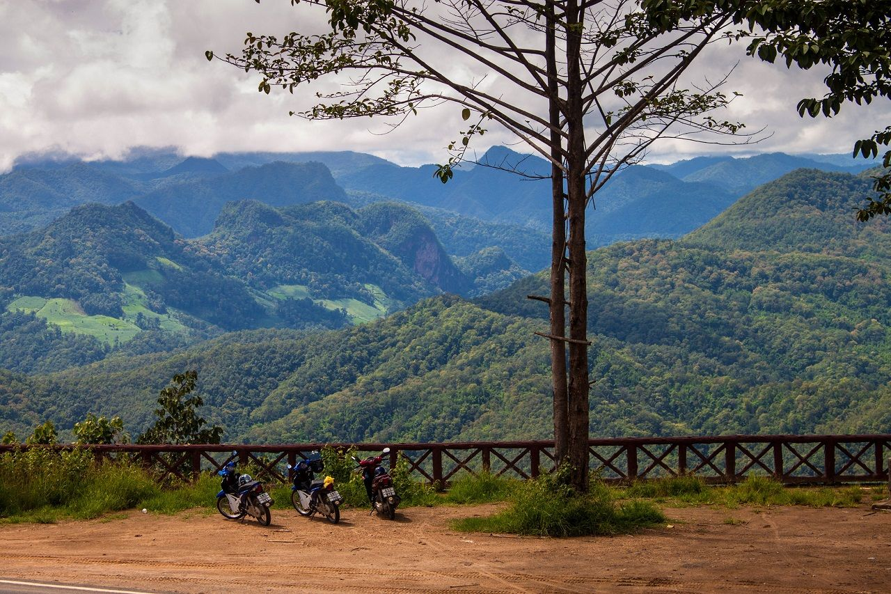Motorbikes and a view of Mae Hong Son loop, Thailand
