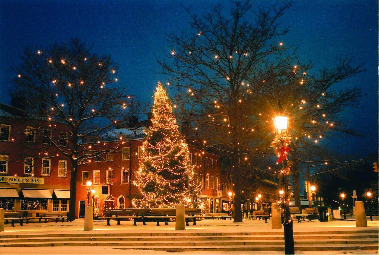 Newburyport, Massachusetts at night