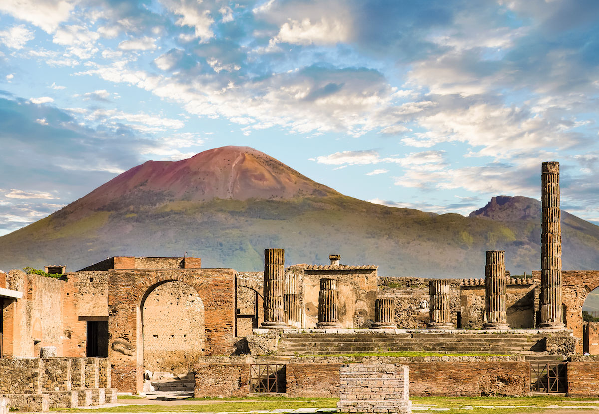 British woman arrested for stealing mosaic tiles from Pompeii