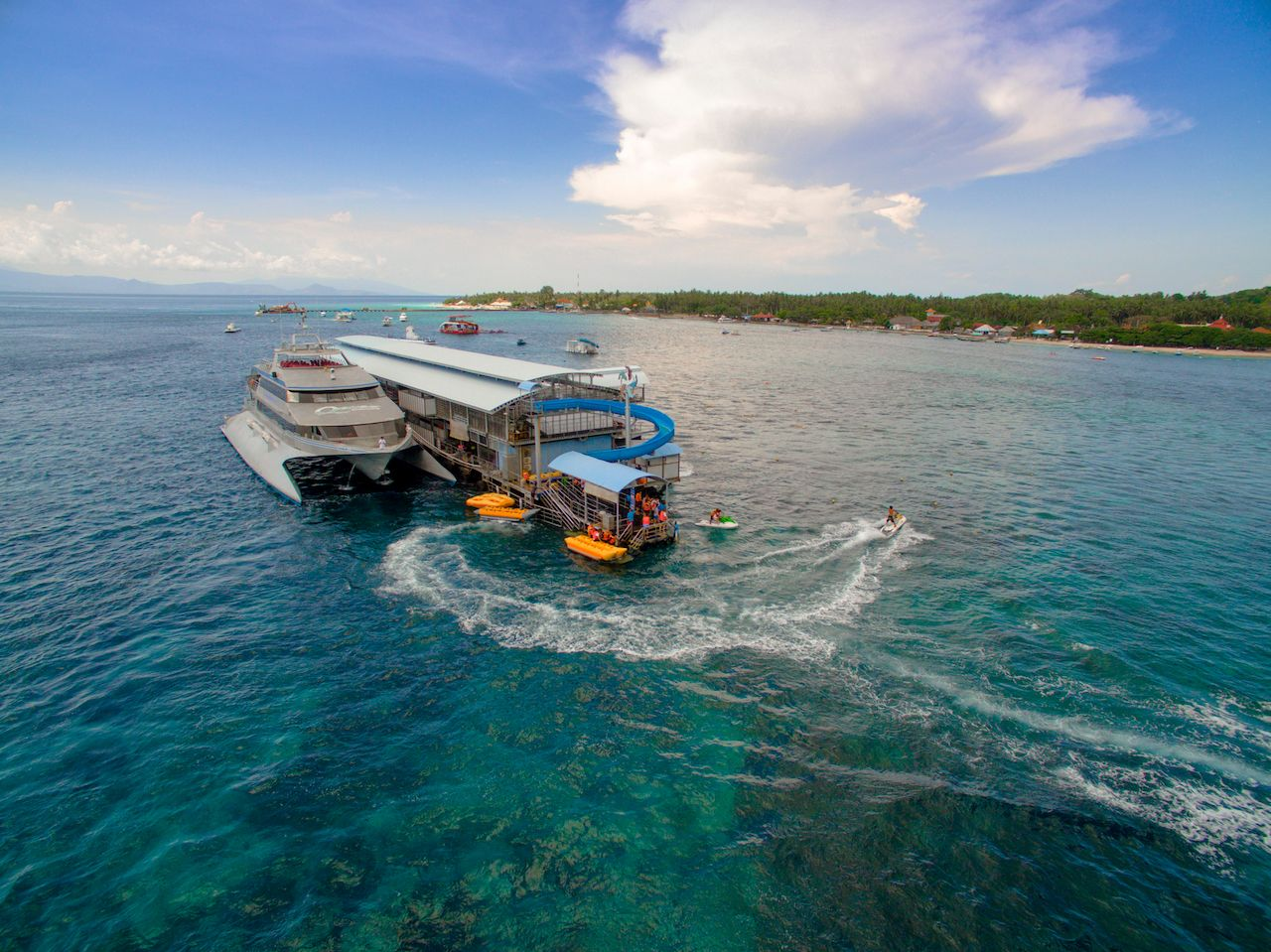 Quicksilver boats taking tourists on Lembongan to Nusa Penida
