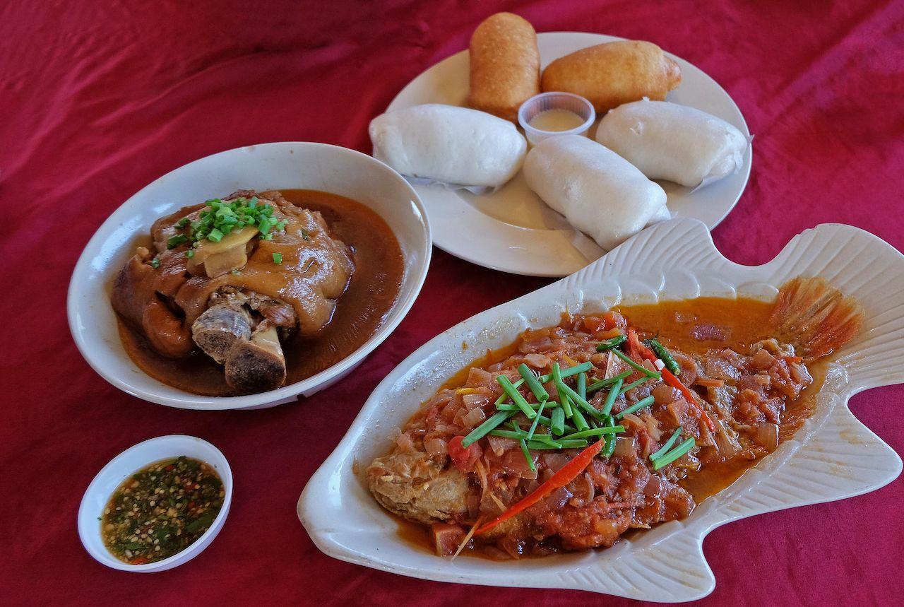 Assorted Yunnan Chinese food