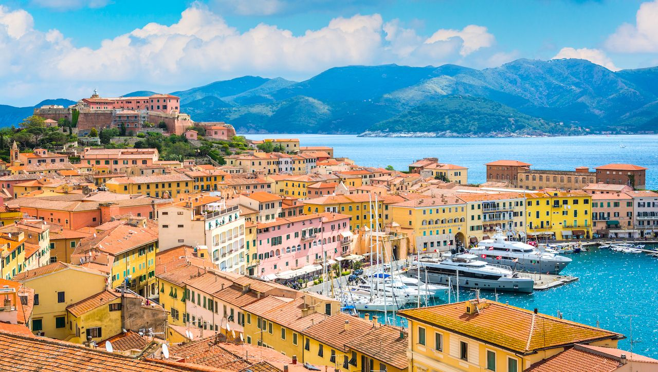 Elba in Italy will refund money