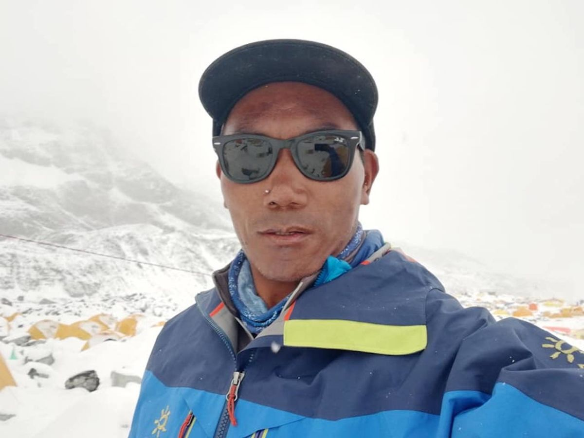 Veteran Nepalese sherpa just set a world record by climbing Mt. Everest twice in one week