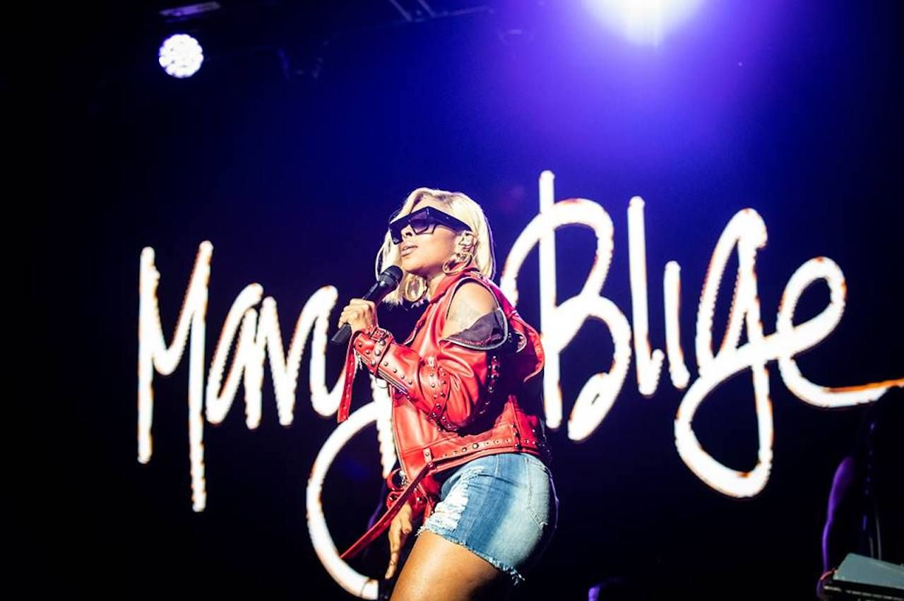 Mary J Blige on stage at the Ravinia Festival