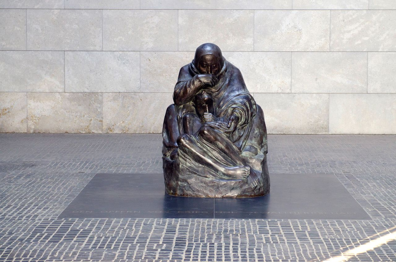 Mother and her dead her monument in Berlin