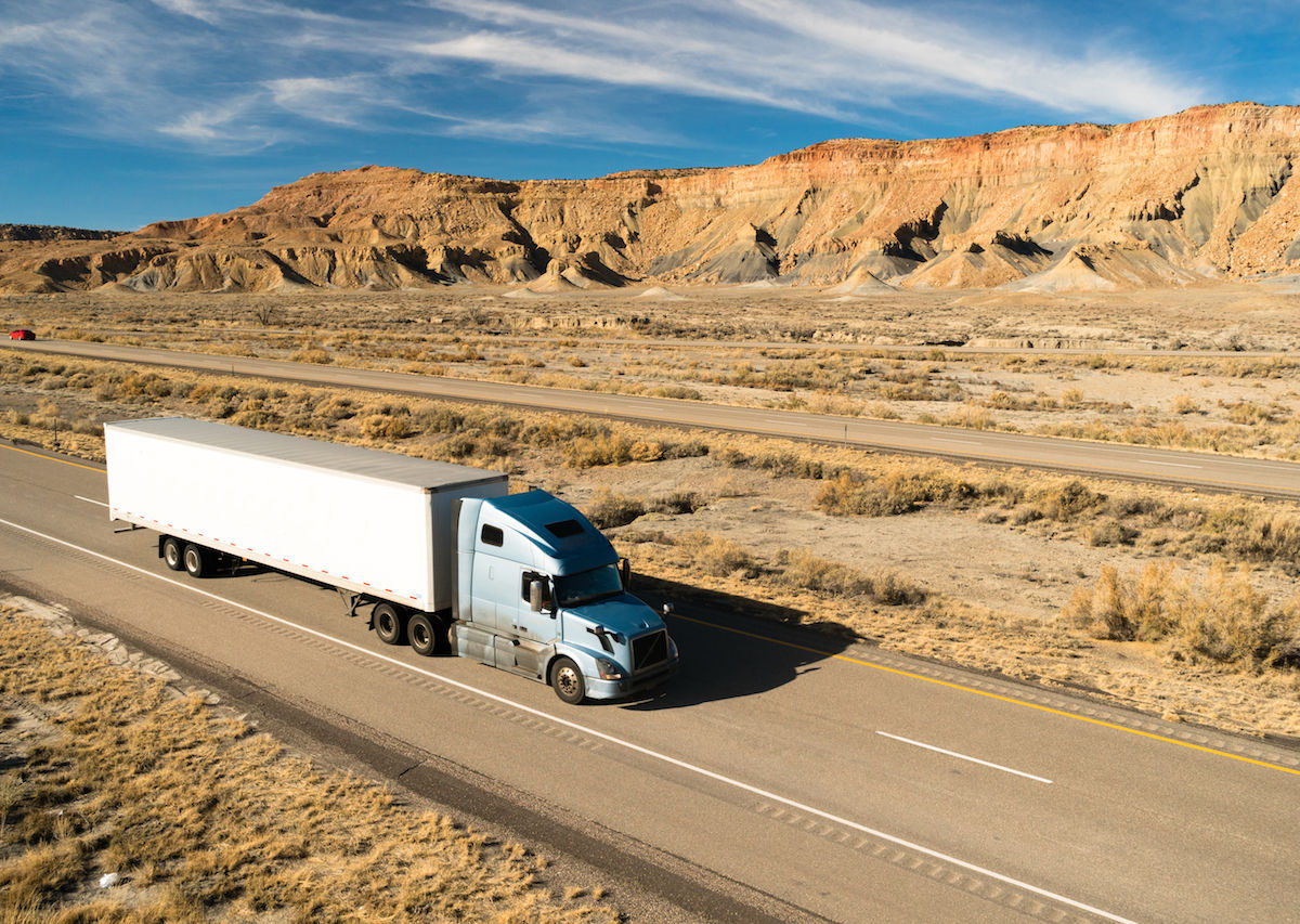Truckers offer 7 tips for staying alert during long drives (that are all completely legal)