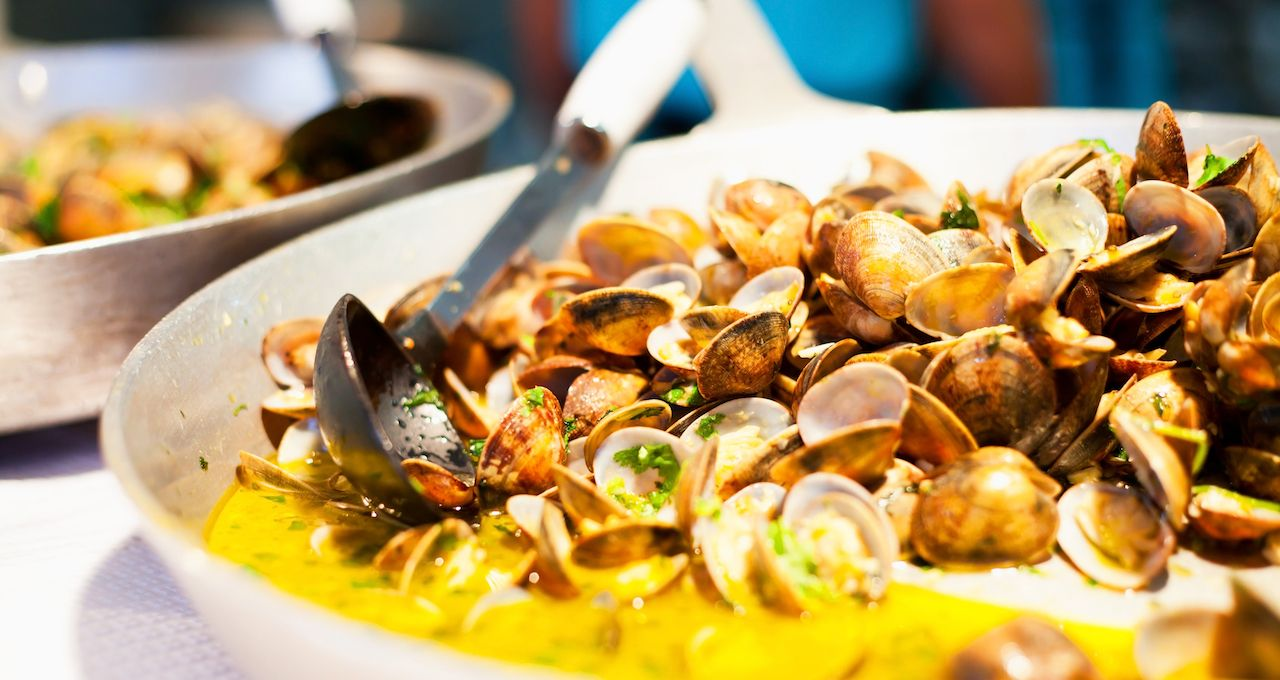 Portugese Clams in Sauce Garlic