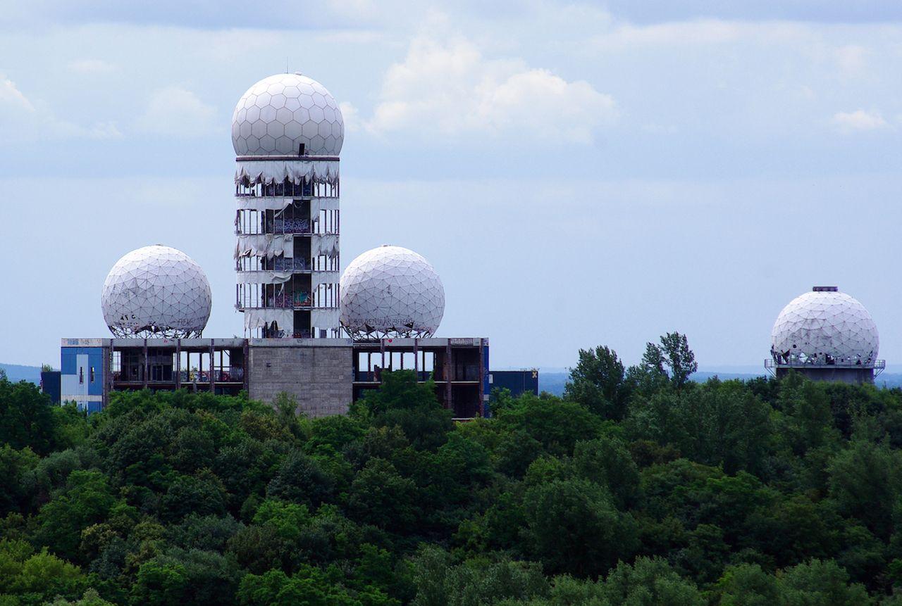 Teufelsberg, train US listening post, Berlin-Grunewald