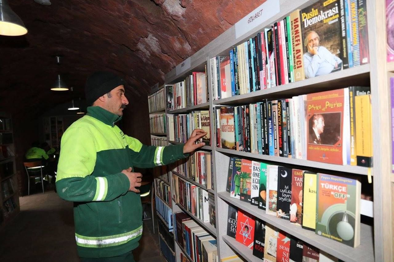 Garbage collectors open library