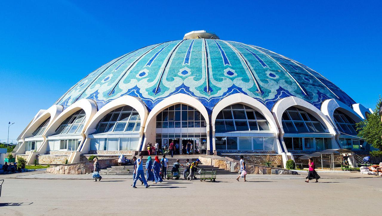 Uzbekistan, Tashkent, indoor pavilion bazaar Chorsu