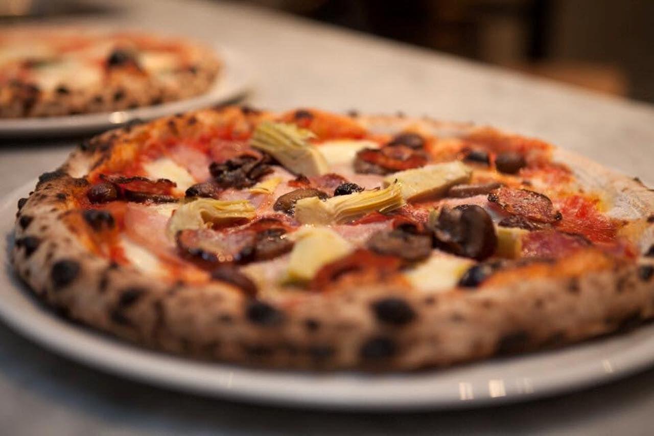 Via Tevere Pizzeria Napoletana